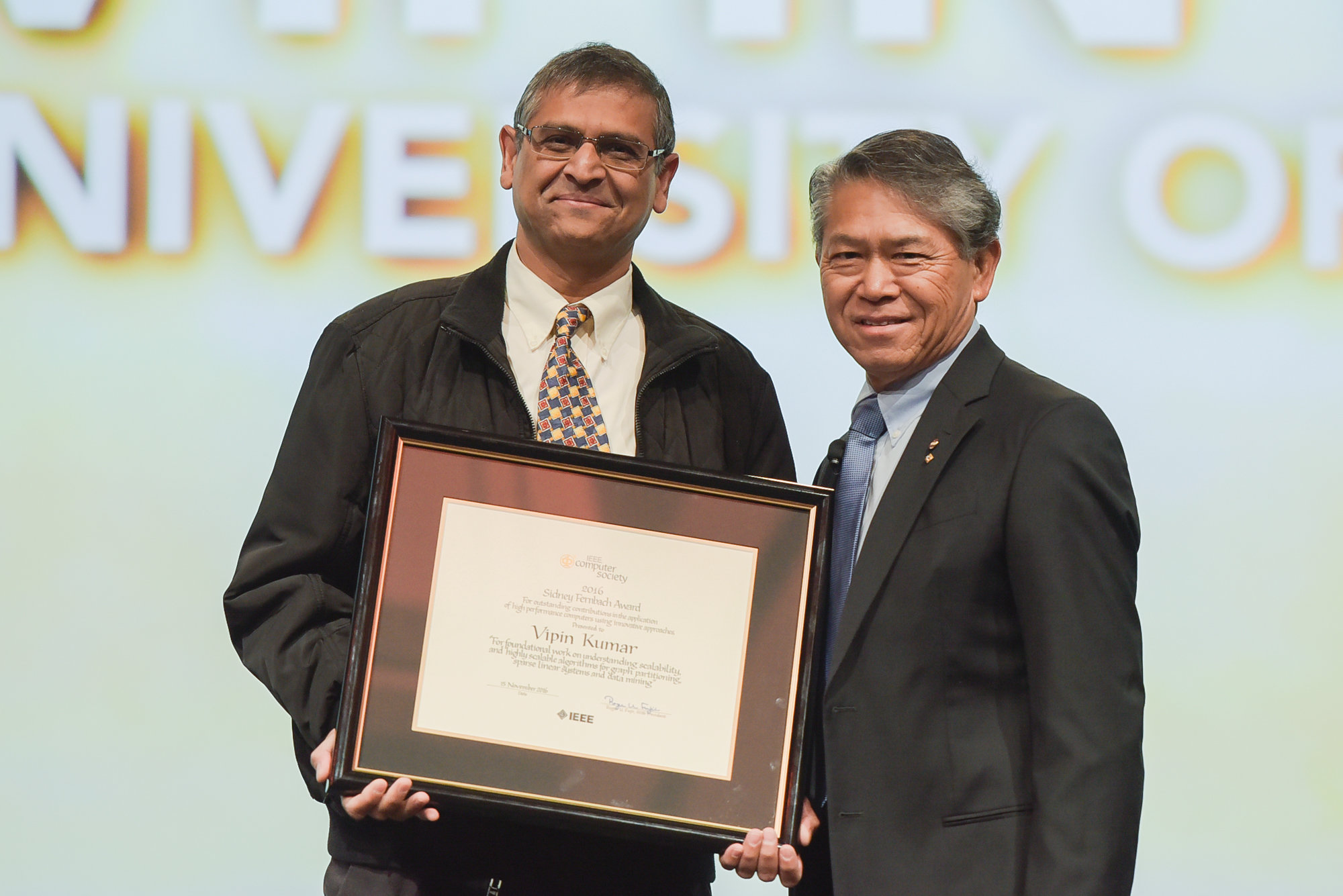 Descriptive Image for Alum Vipin Kumar named  2016 IEEE Computer Society Sidney Fernbach Award Recipient