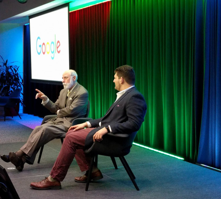 Descriptive Image for Alum Danny Laurence hosts Vint Cerf for talk with QUEST Students