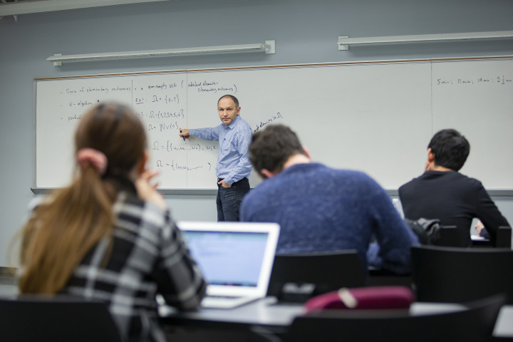photo of University of Maryland Mathematics Professor Leonid Koralov teaches the probability and statistics course to students in the machine learning and data science graduate programs run by the UMD's Science Academy. Photo C.John T. Consoli
