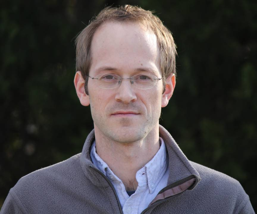 photo of Associate Professor Andrew Childs